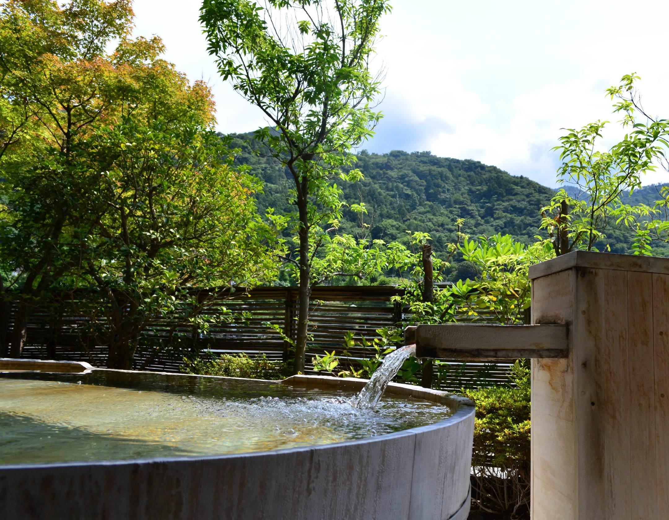 温泉 | 箱根湯本温泉 ホテル河鹿荘